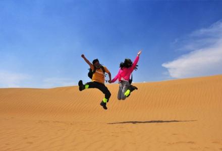 库不齐沙漠圆满穿越成功